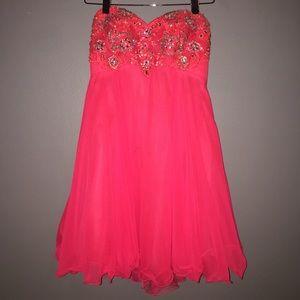 Dresses & Skirts - Pinky/orange embroidered gem homecoming dress